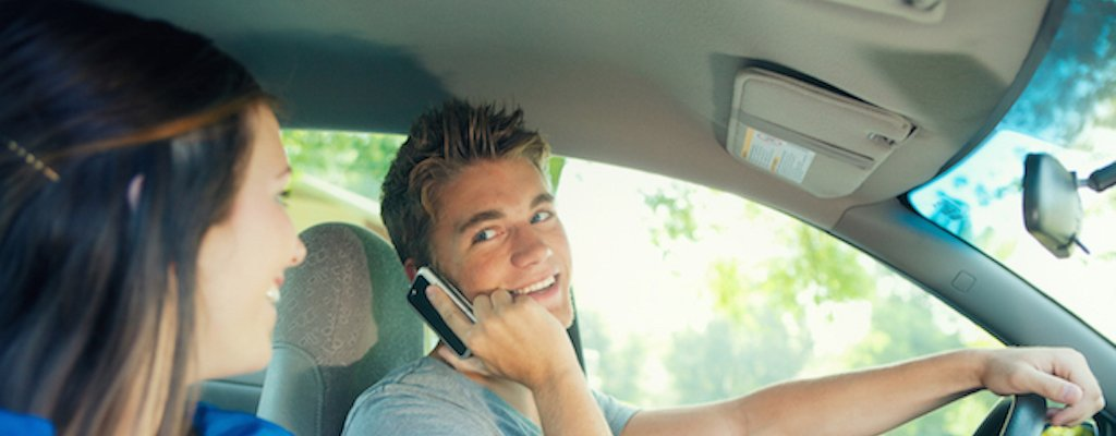 How Parents Can Help Teens Prevent Distracted Driving