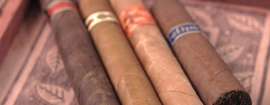The Best Cigar Brands To Gift To Your Father Any Time Of The Year