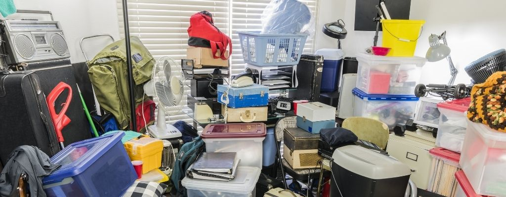 Differences Between Being a Pack Rat and a Hoarder